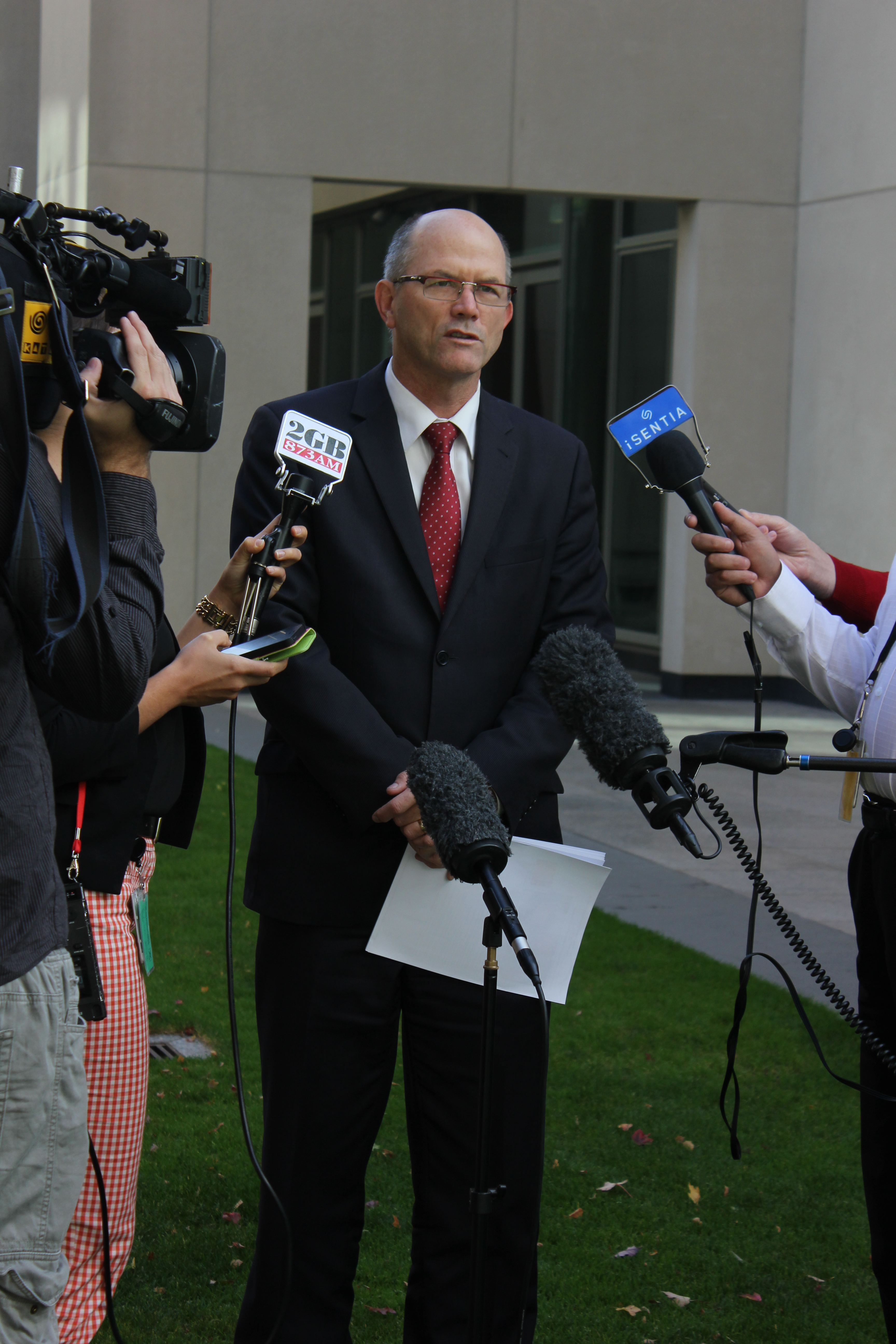 7168_dr_steve_hambleton_discusses_the_national_disability_insurance_scheme_with_the_media.jpg