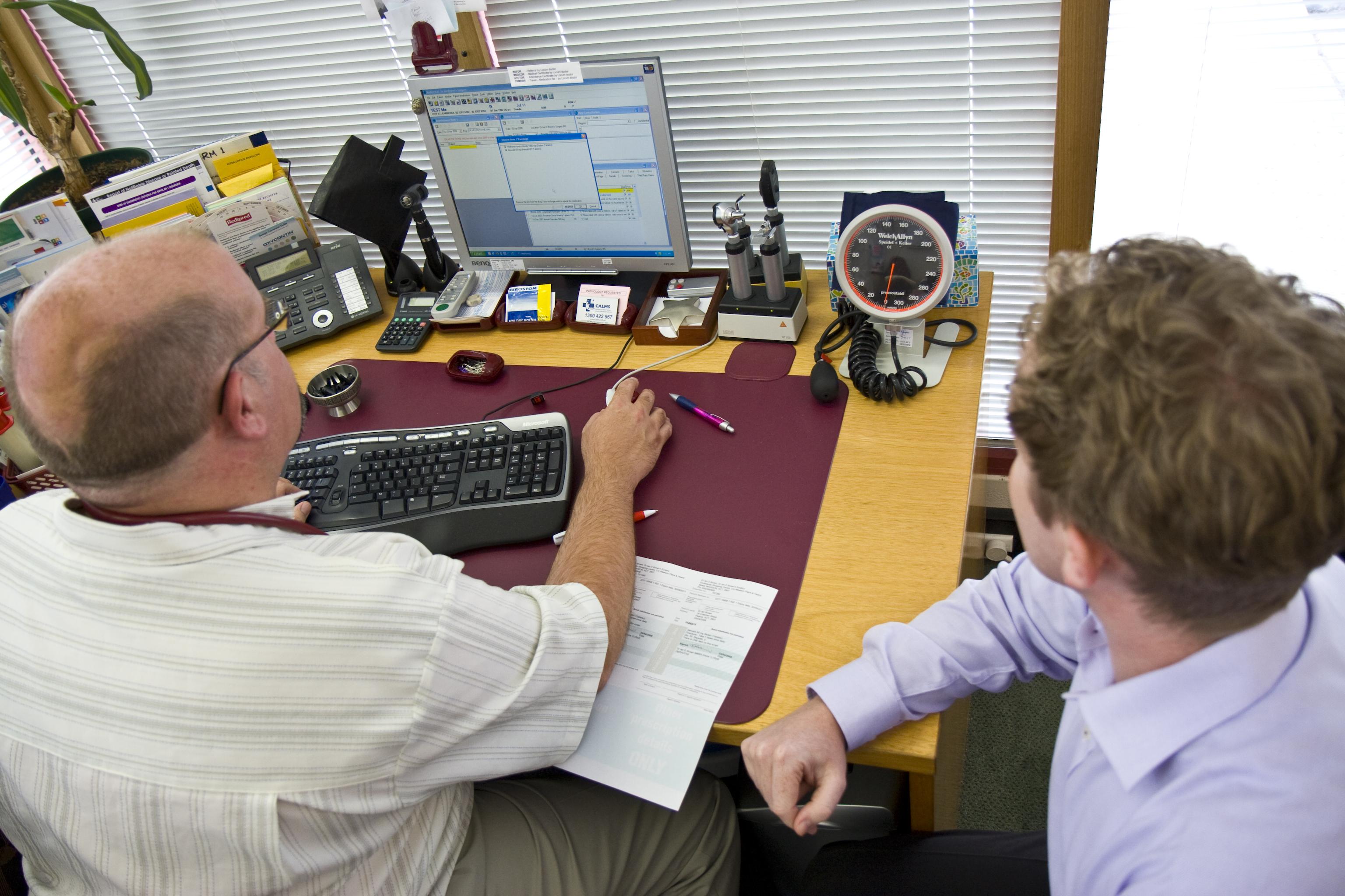 7712_gpusingcomputer.jpg