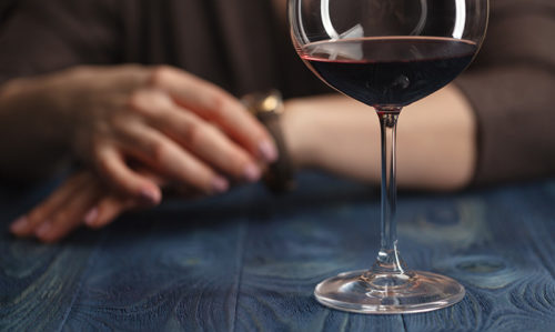 What alcohol does to your looks: study - Featured Image
