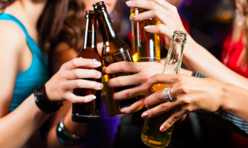 Teens drink more alcohol than adults - Featured Image