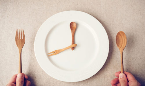 Intermittent fasting is no better than conventional dieting for weight loss, new study finds - Featured Image