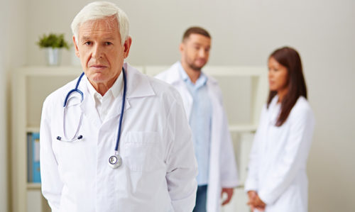 Older doctors' patients more likely to die - Featured Image