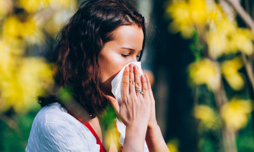 Your season of birth is stamped on your DNA and can affect your risk of allergies - Featured Image